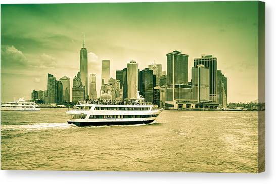 New York Metropolitan Canvas Print