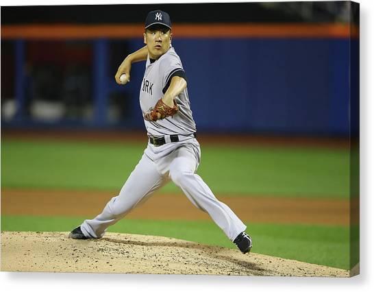 New York Yankees V New York Mets Canvas Print by Al Bello