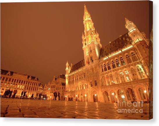 Night In The Grand Place Canvas Print
