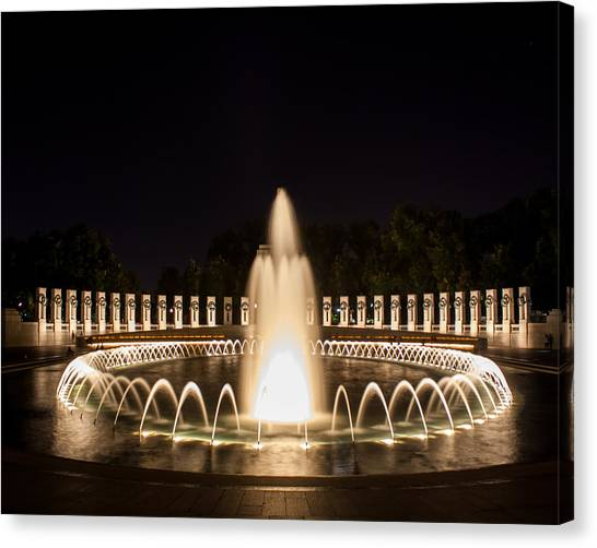 Night Reflections Wwii Memorial  Canvas Print