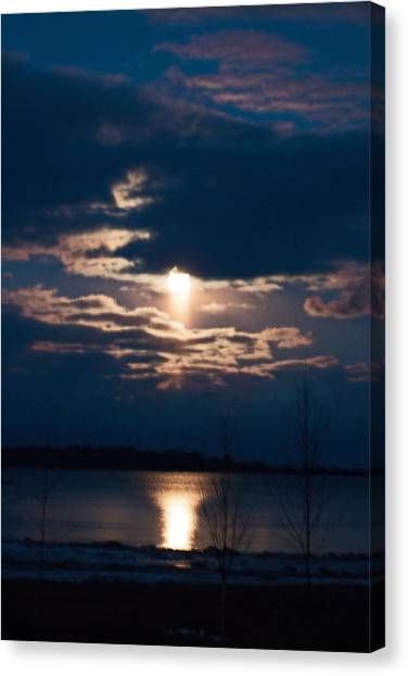 Night Time Reflection Canvas Print by Rhonda Humphreys