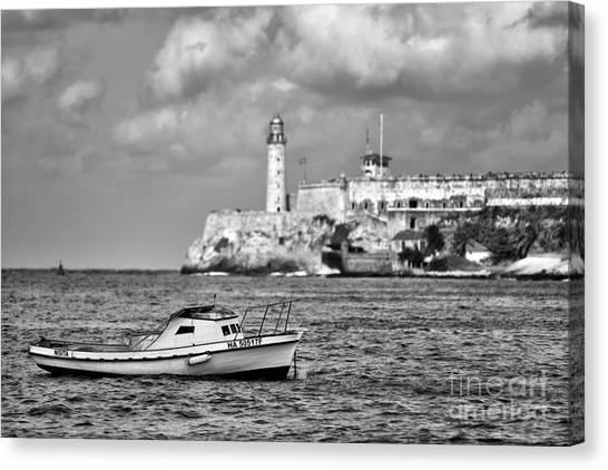 Nisita In Havana Bay Canvas Print