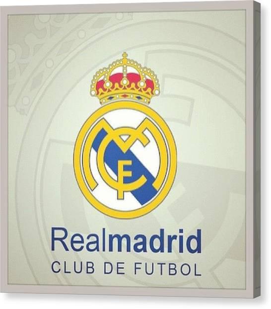 Real Madrid Canvas Print - No Es Por Nada, Pero Tengo El by Daniel Daniel