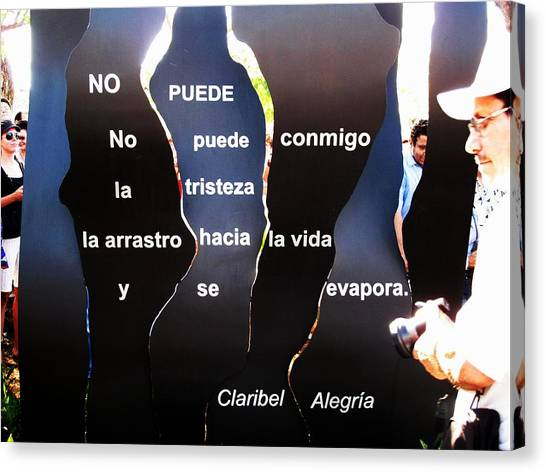 No Puede By Claribel Alegria Canvas Print