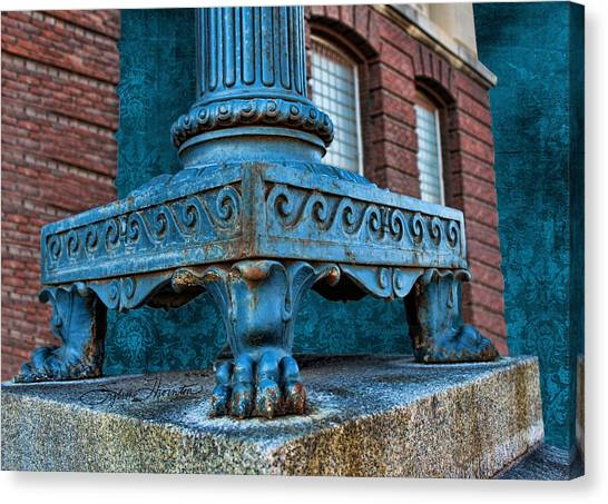 North Platte Post Office Lamp Post Canvas Print