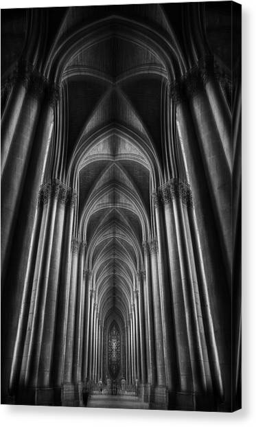 Notre-dame Catha?dral Canvas Print by Oussama Mazouz