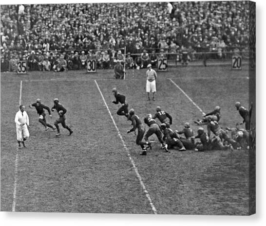 Football Canvas Print - Notre Dame Versus Army Game by Underwood Archives