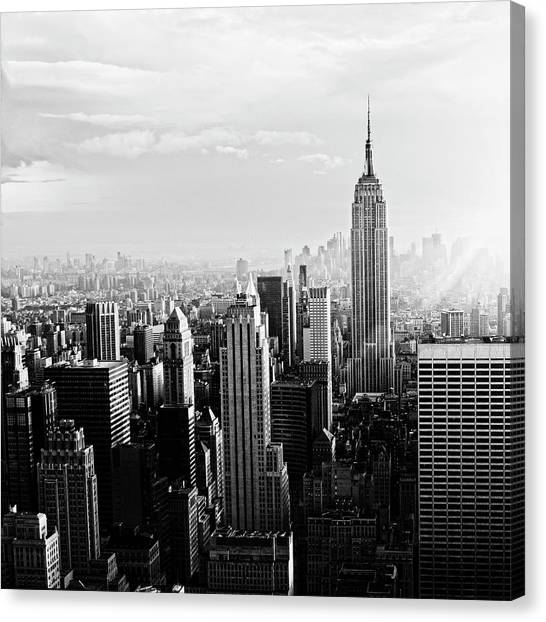 Nyc Skyline.black And White Canvas Print