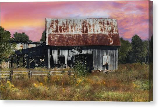 Oakwood Barn At Sunrise Canvas Print