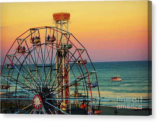 Ocean City Nj Wonder Wheel And Double Shot Canvas Print