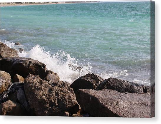 Ocean Spray On Rocks Canvas Print