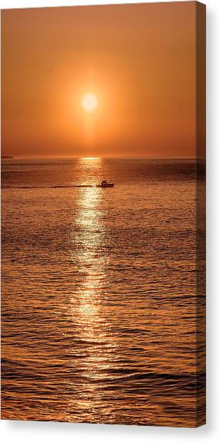 Ocean Sunrise At Montauk Point Canvas Print