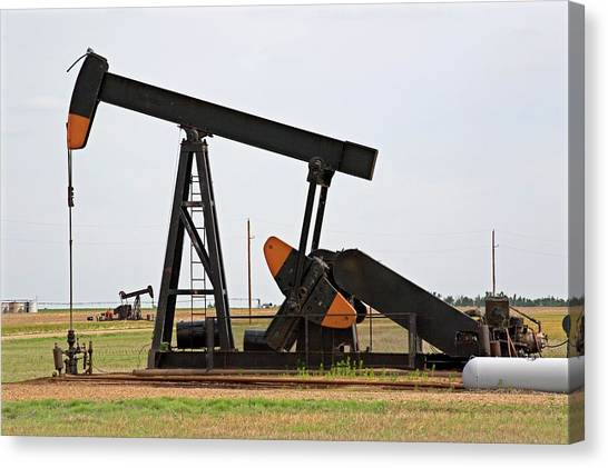 Oil Pump Canvas Print by Jim Edds/science Photo Library