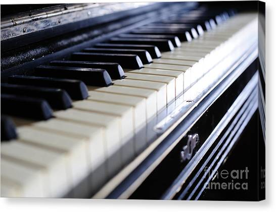 Old 88 Piano Canvas Print