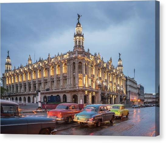 Old American Cars And The Cuban Canvas Print by Buena Vista Images