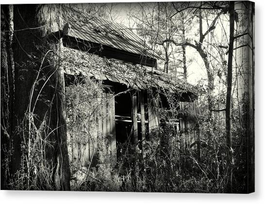 Canvas Print featuring the photograph Old Barn In Black And White by Lisa Wooten