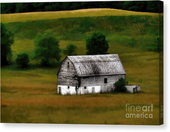 Old Barn Near Buckhannon Canvas Print