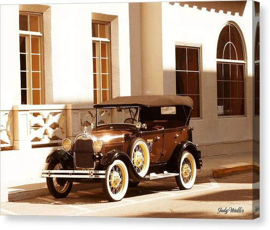 Old Beauty Canvas Print