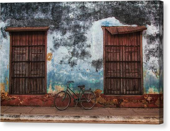 Old Bike And Grunge Wall Canvas Print