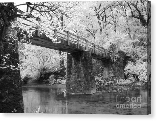Old Brige Canvas Print