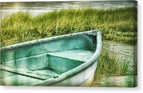 Old Dinghy On The Beach Cape Cod Ma Retro Feel Canvas Print