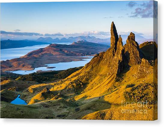Old Man Of Storr At Sunrise Canvas Print