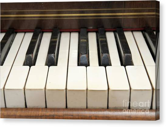 old piano II Canvas Print