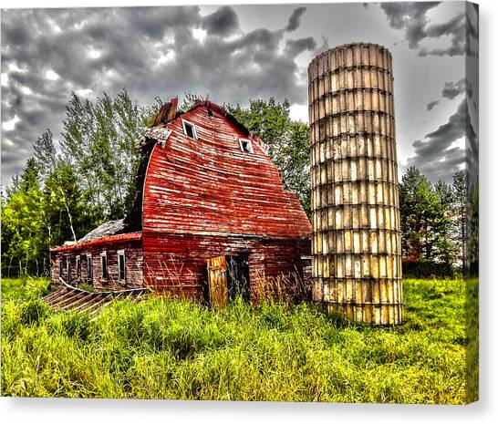 Minnesota Canvas Print - Old Red Barn by Billy Torma