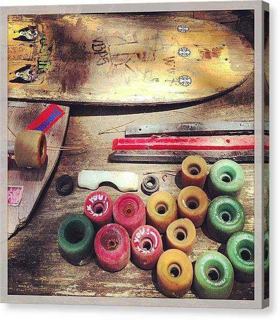 Back Canvas Print - Old School by Darin Back