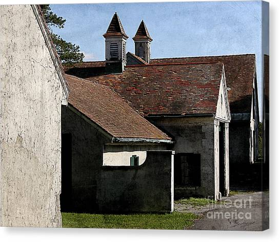 Old Stables At Knox Farm Canvas Print