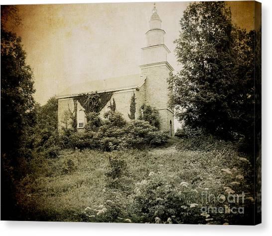 Old Stone Church In Rhinebeck Canvas Print