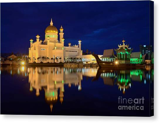 Omar Ali Saifuddien Mosque Mirror - Brunei Canvas Print by OUAP Photography
