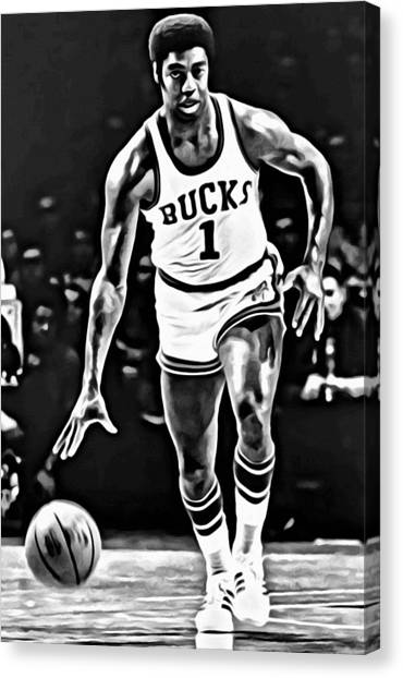 Milwaukee Bucks Canvas Print - Oscar Robertson by Florian Rodarte