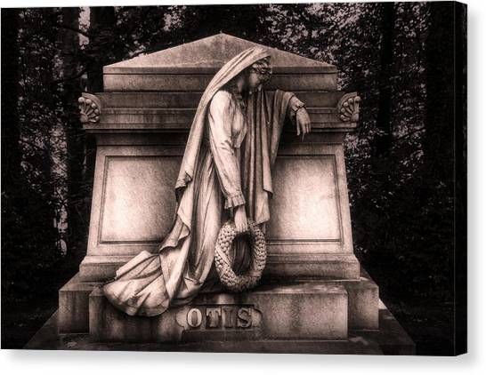 Wreath Canvas Print - Otis Monument by Tom Mc Nemar