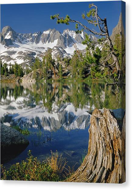 2m6443-v-palisade Peaks And Summit Lake V Canvas Print