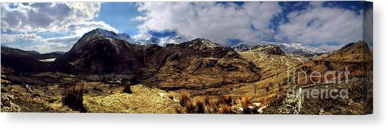 Panaramic Snowdonia Mountains Canvas Print