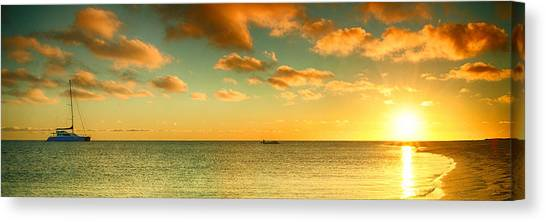 Canvas Print featuring the photograph Panoramic Photo Sunrise At Monky Mia by Yew Kwang
