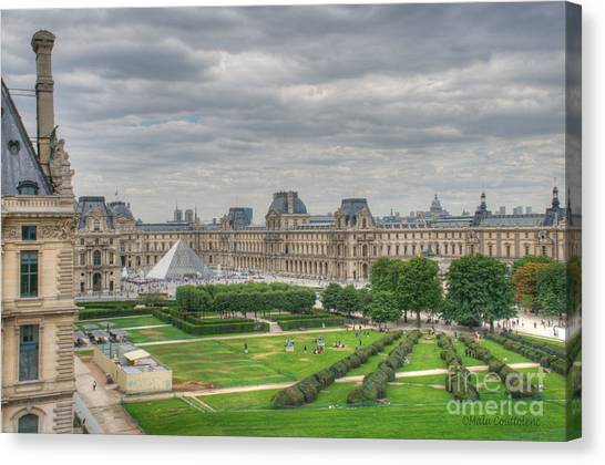 Panoramic View Musee Du Louvre Canvas Print by Malu Couttolenc