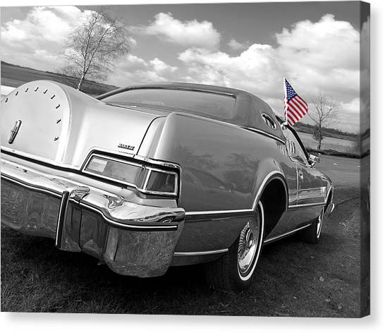 American Independance Canvas Print - Patriotic Lincoln Continental 1976 by Gill Billington