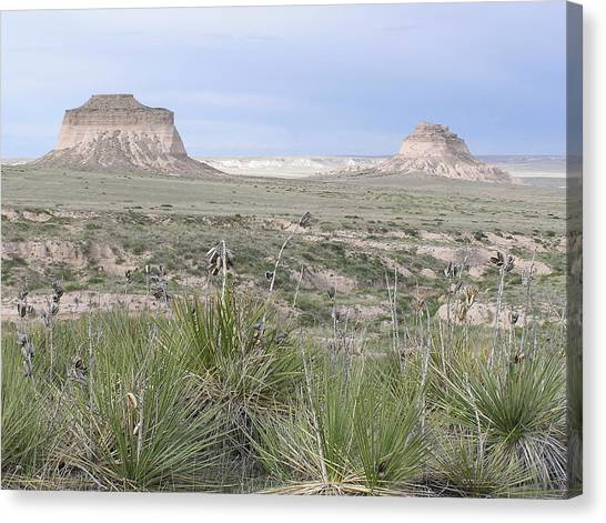 Pawnee Buttes Canvas Print