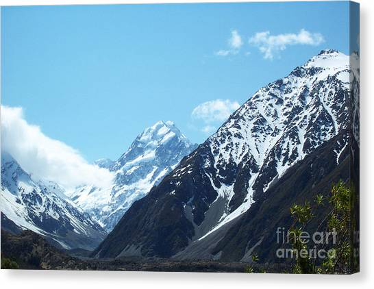 Peaks Of New Zealand Canvas Print