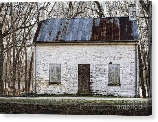 Pennyfield Lockhouse On The C And O Canal In Potomac Maryland Canvas Print
