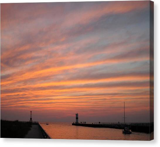 Pentwater Pier Lighthouse Canvas Print