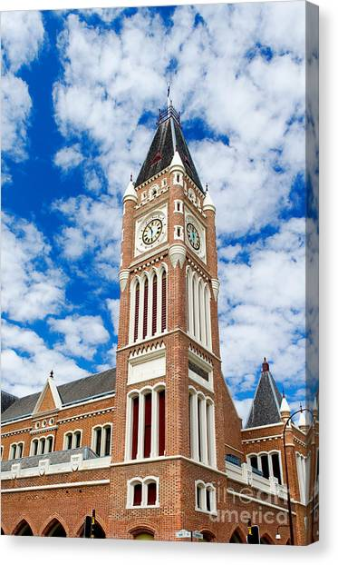 Canvas Print featuring the photograph Perth Town Hall by Yew Kwang