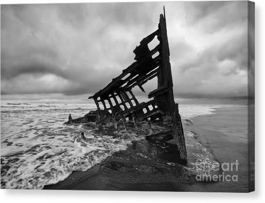 Peter Iredale Canvas Print - Peter Iredale Shipwreck Oregon 1 by Bob Christopher