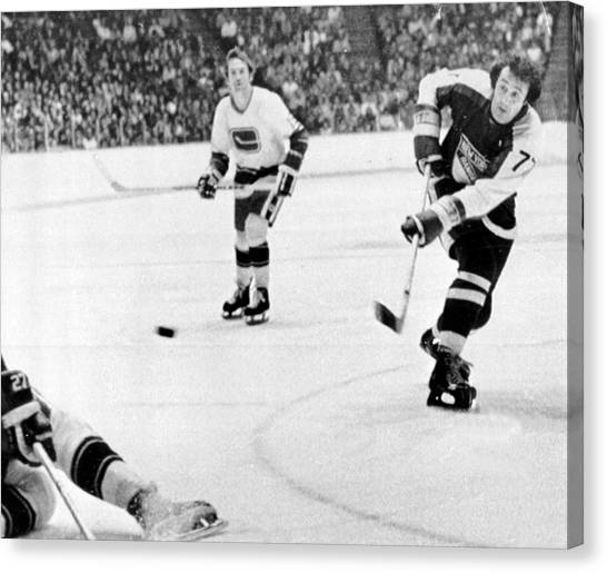 New York Rangers Canvas Print - Phil Esposito In Action by Gianfranco Weiss
