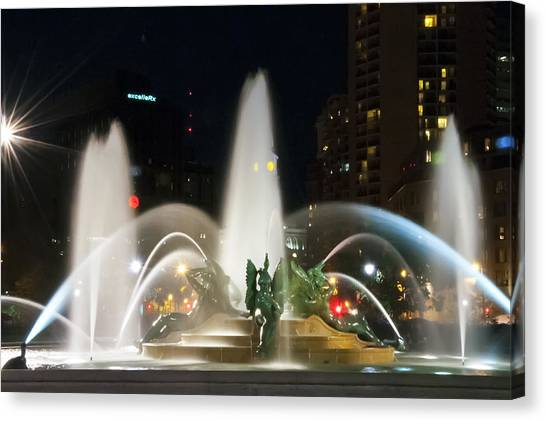 Canvas Print featuring the photograph Philadelphia - Swann Fountain - Night by Bill Cannon