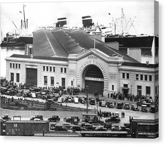 Conference Usa Canvas Print - Pickets At The Sf Docks. by Underwood Archives