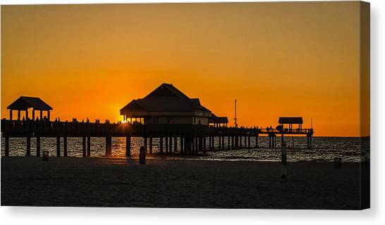 Pier 60 Sunset Canvas Print