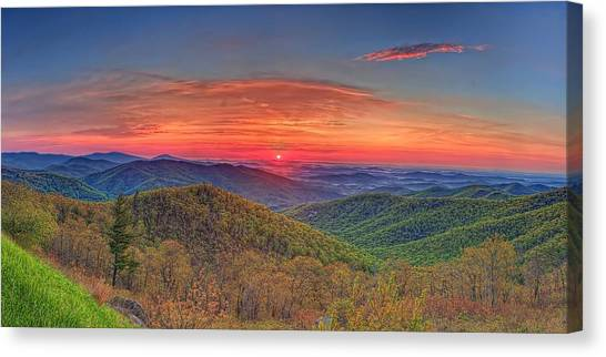 Pink Sunrise At Skyline Drive Canvas Print